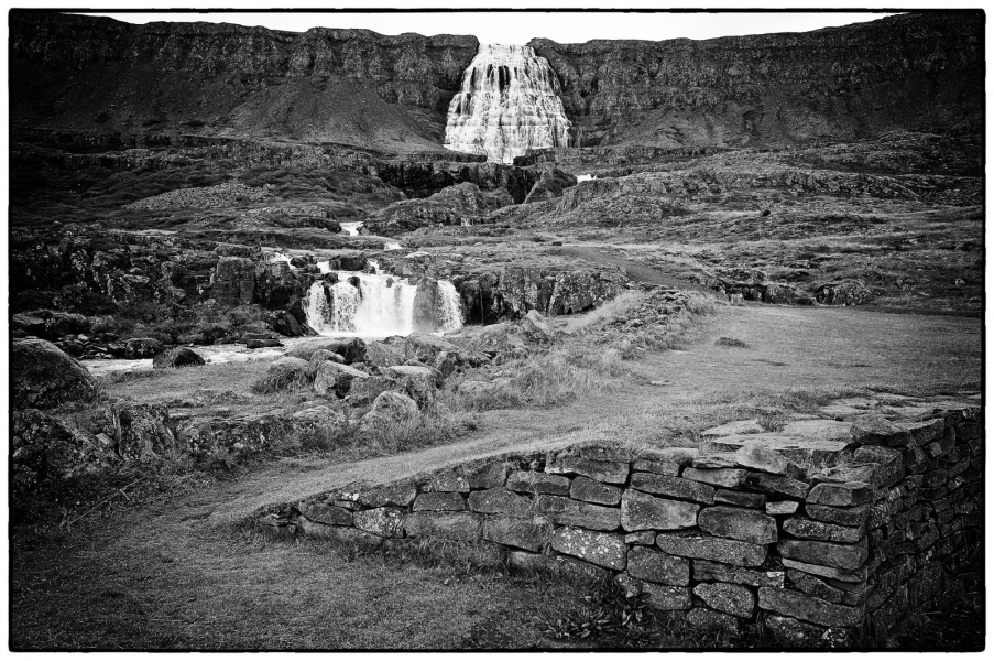 http://lumikoi.com/files/gimgs/th-25_Islande_2012_b_couradette_0015.jpg