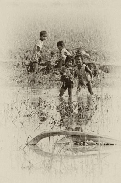 http://lumikoi.com/files/gimgs/th-37_Laos_2011_Couradette_00006.jpg