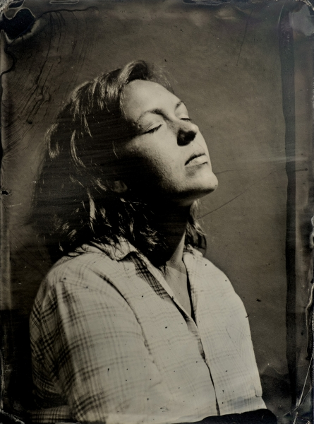 http://lumikoi.com/files/gimgs/th-40_Collodion_Benjamin_Couradette_0008_Small.jpg