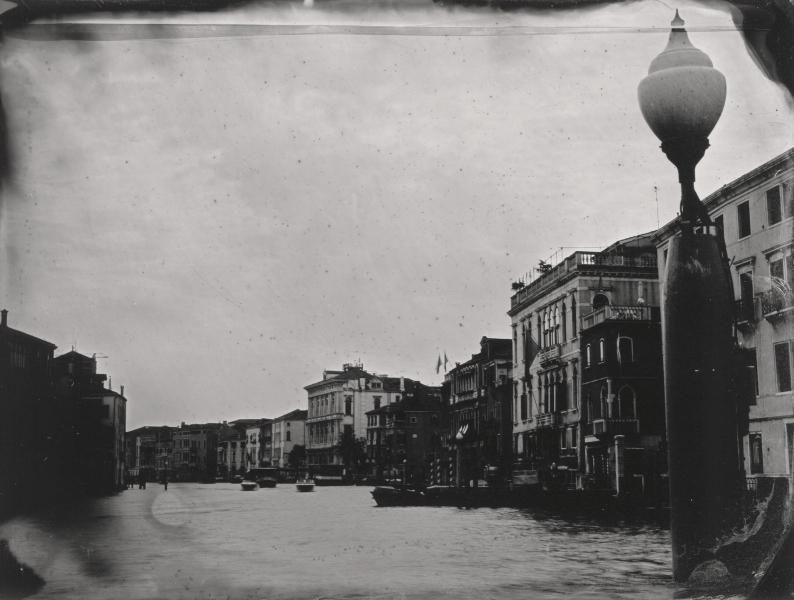 http://lumikoi.com/files/gimgs/th-58_Collodion_Venise_Benjamin_Couradette_2014070018_Small.jpg