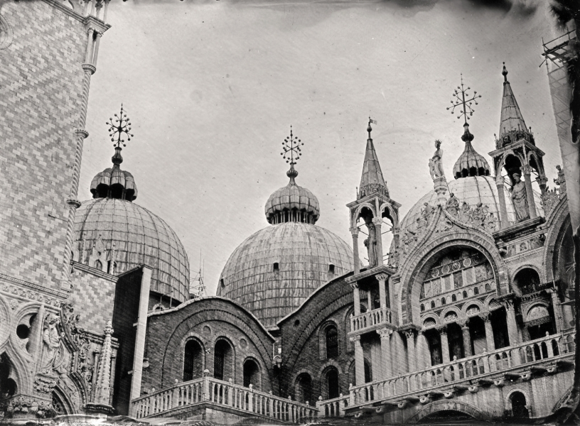 http://lumikoi.com/files/gimgs/th-58_Collodion_Venise_Benjamin_Couradette_2014070020_Small.jpg