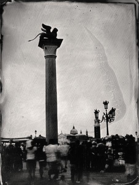 http://lumikoi.com/files/gimgs/th-58_Collodion_Venise_Benjamin_Couradette_2014070015_Small.jpg