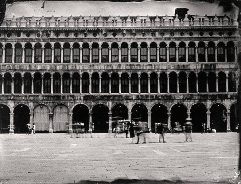 http://lumikoi.com/files/gimgs/th-58_Collodion_Venise_Benjamin_Couradette_2014070013_Small.jpg