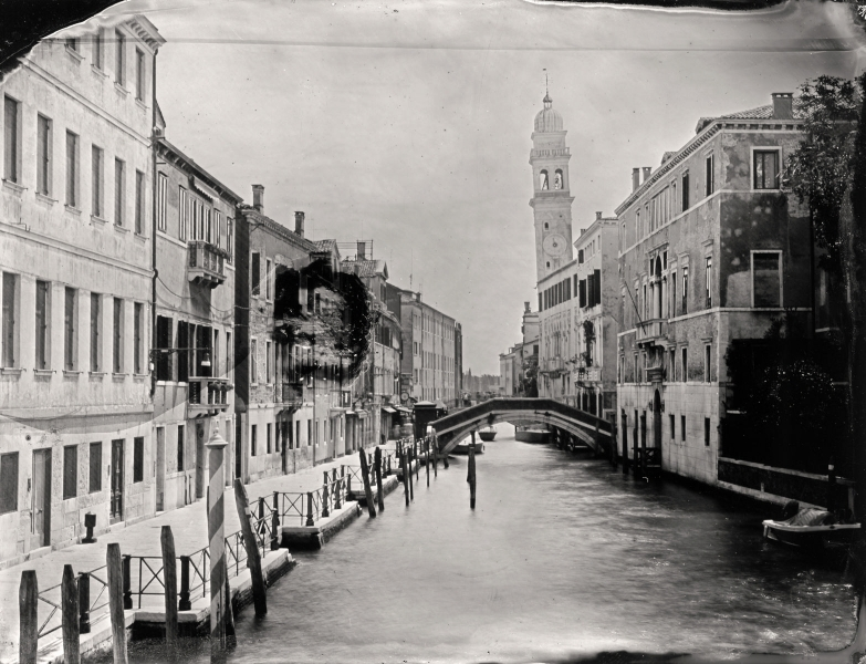 http://lumikoi.com/files/gimgs/th-58_Collodion_Venise_Benjamin_Couradette_2014070021_Small.jpg