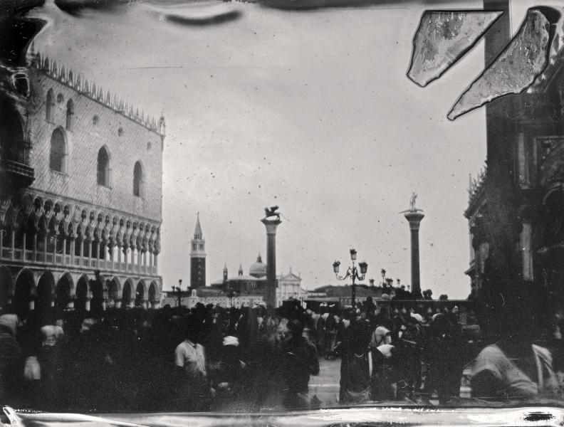 http://lumikoi.com/files/gimgs/th-58_Collodion_Venise_Benjamin_Couradette_2014070002_Small.jpg